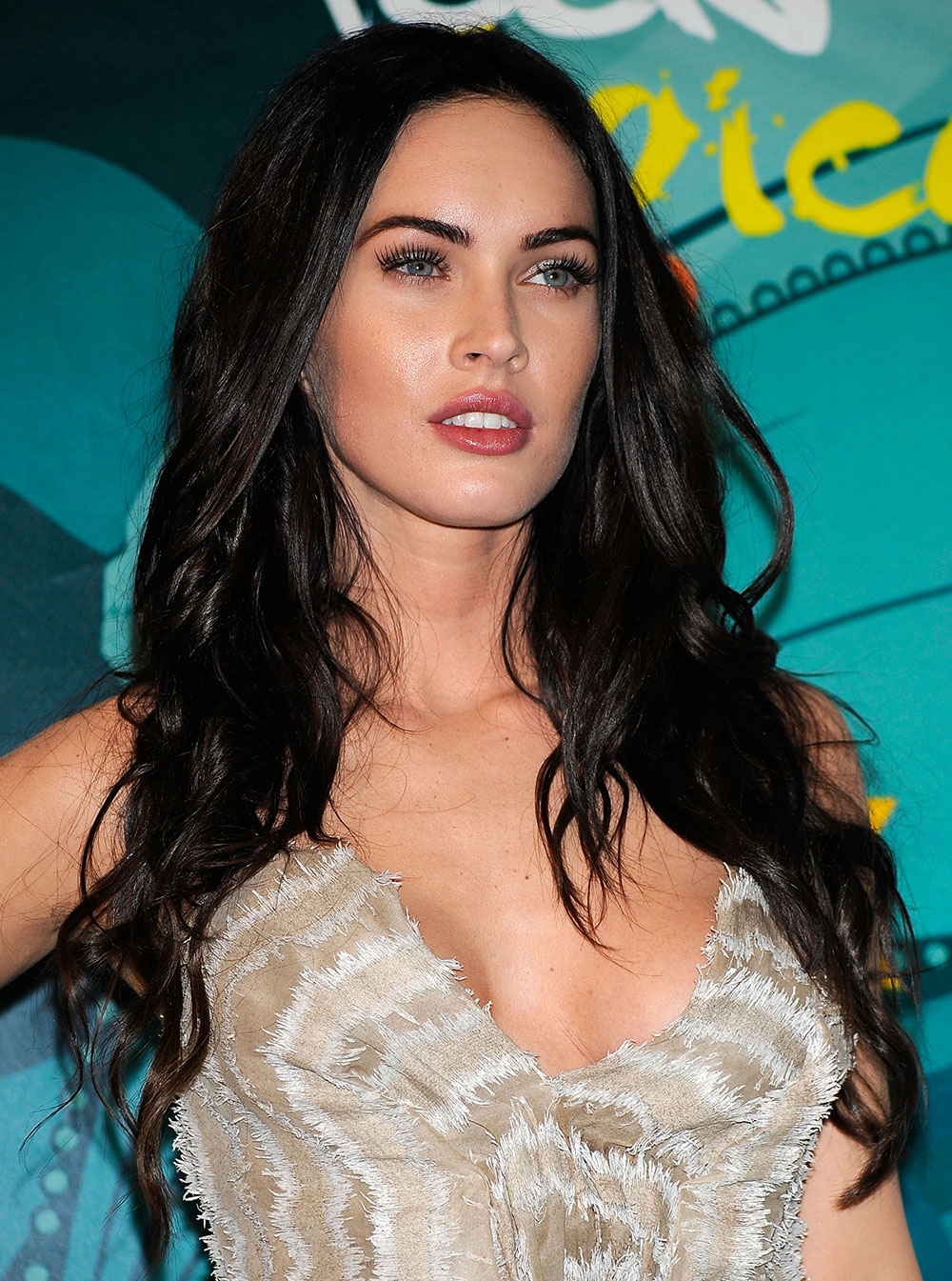 Megan fox tousled hair tutorial