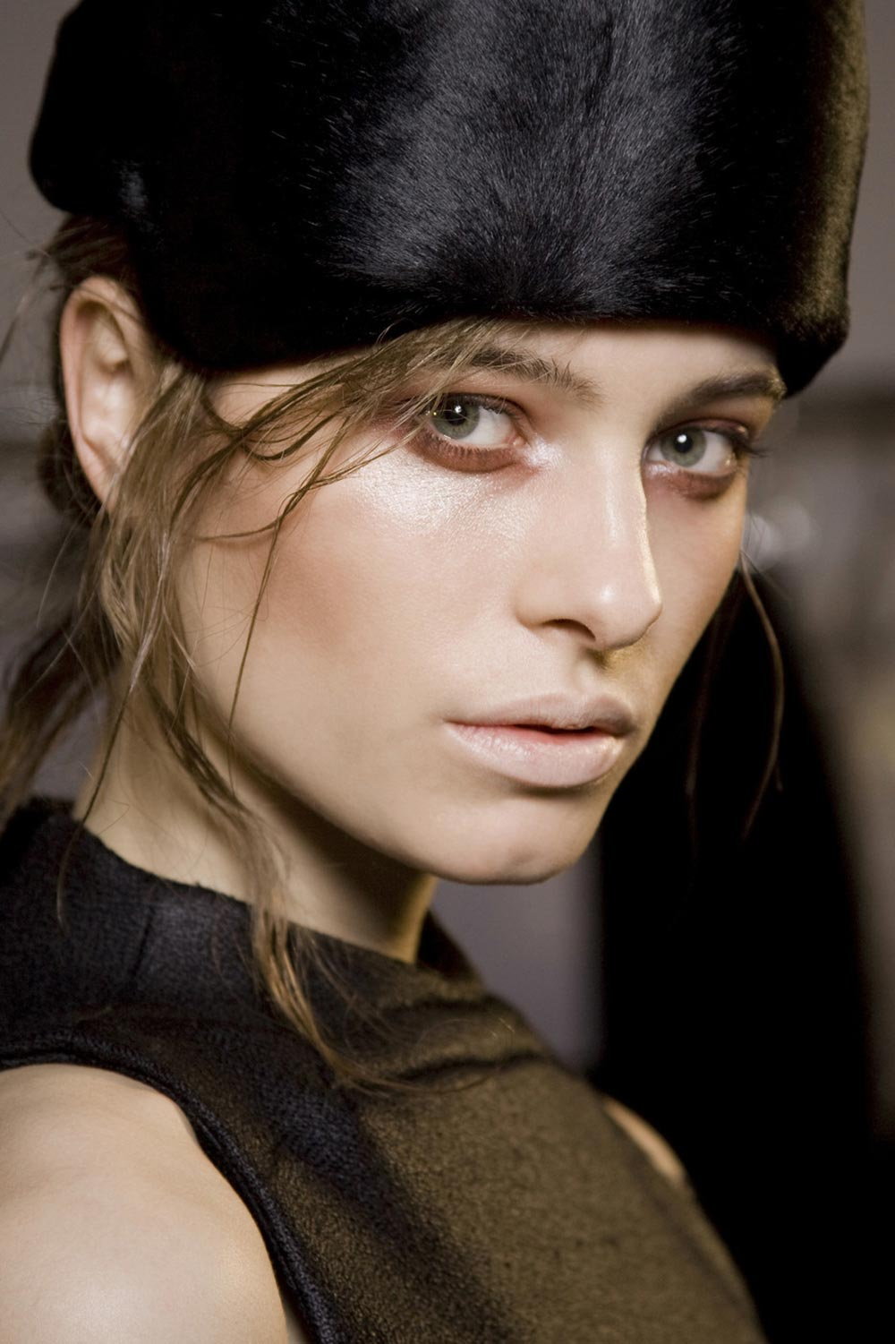 cushnie-et-ochs-fall-2010-runway-makeup
