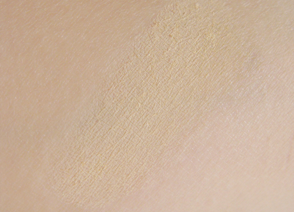 Lily Lolo Mineral Foundation swatches