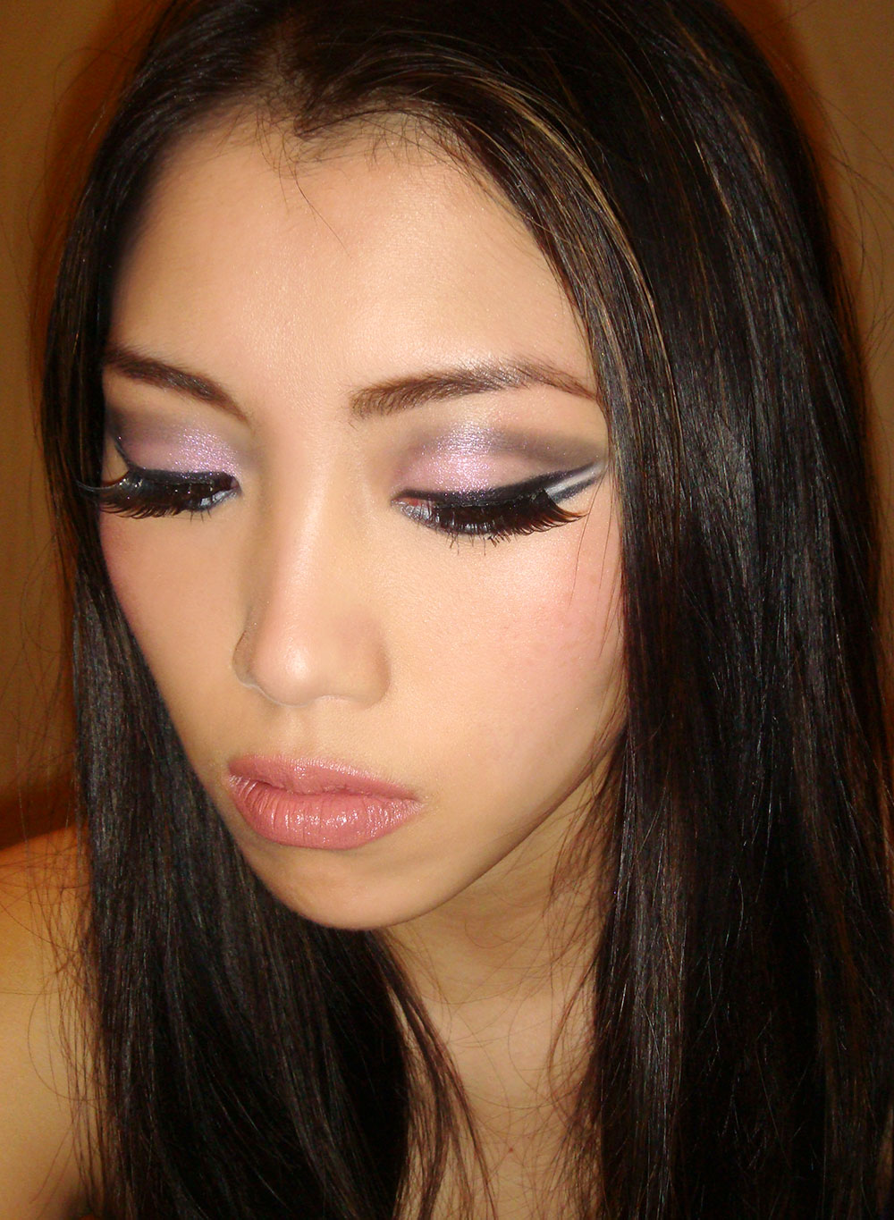 Christina Aguilera glitter eye makeup breakdown