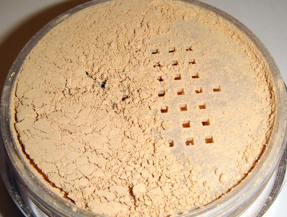 Estee Lauder Double Wear Mineral Rich Loose Powder Makeup SPF 12 Intensity 2.0
