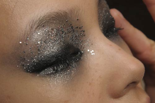 Smudgy rock makeup at DSquared2 Spring/Summer 2012 Milan Fashion Week