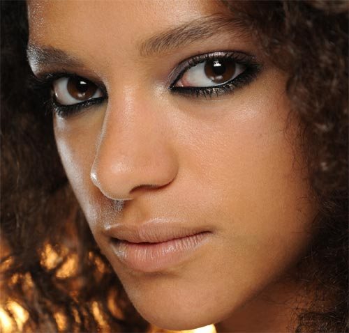 Smudgy eye makeup at Holly Fulton Spring 2012