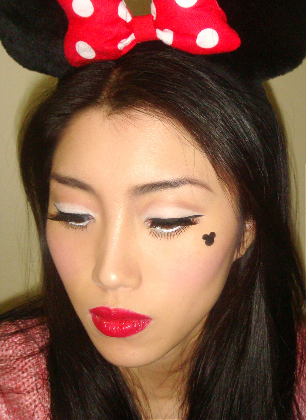 Halloween Minnie Mouse Makeup Look