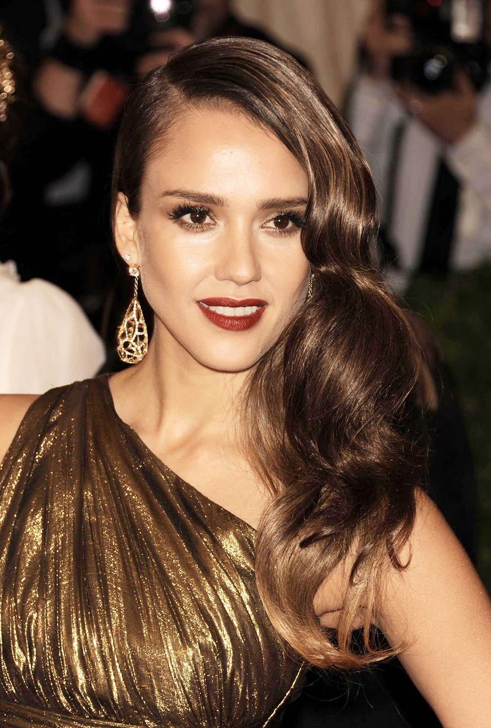Jessica Alba hair at 2012 MET ball