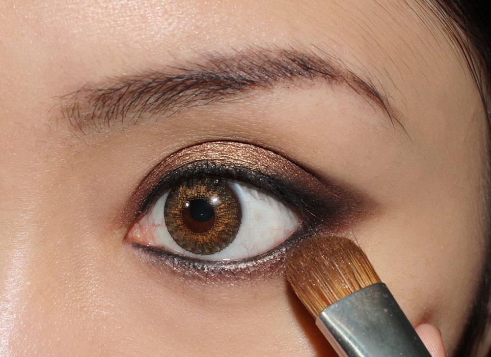 Anastasia Foxy Eyeshadow from She Wears It Well Eyeshadow Palette on lower eye
