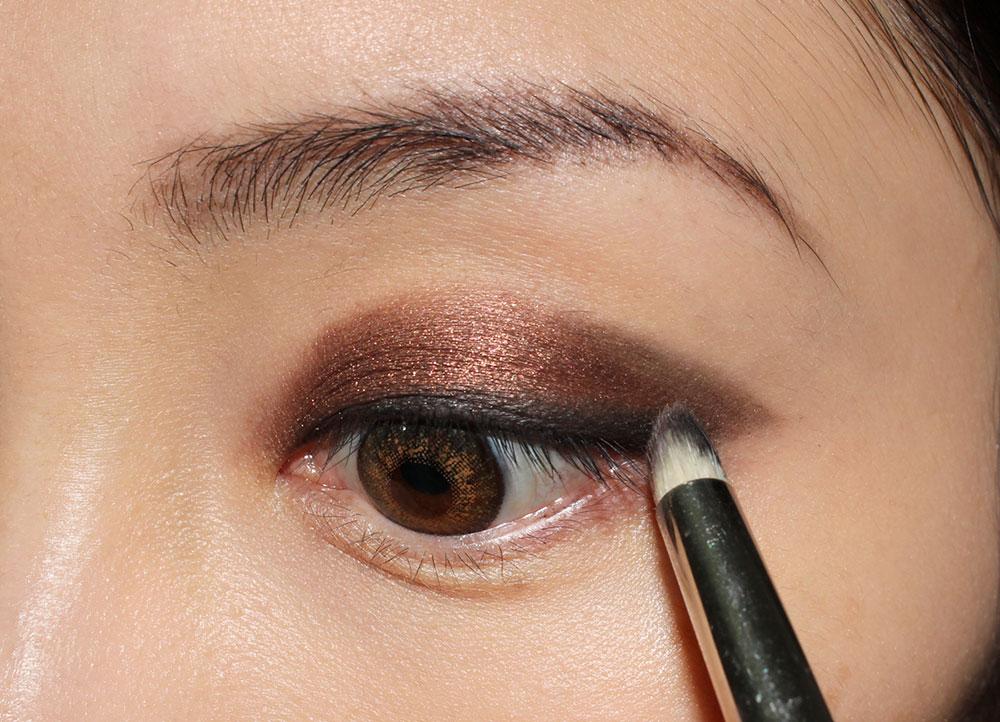 Smoky Eye & Nude Lip Makeup Tutorial step 4
