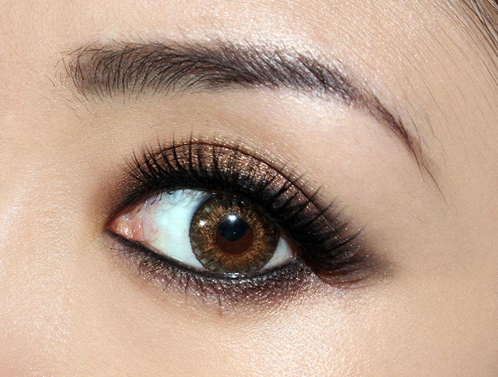 Smoky eye tutorial using Anastasia She Wears It Well Eyeshadow Palette