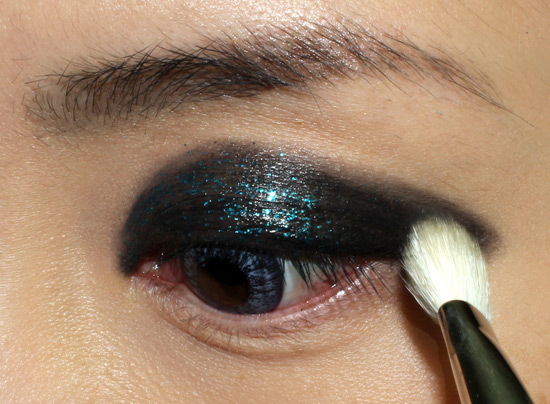 Rock 'n Roll Glitter Eye Makeup tutorial step 3