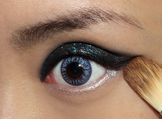 Rock 'n Roll Glitter Eye Makeup tutorial step 5