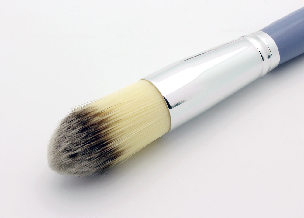 Stila 33a Foundation Brush review