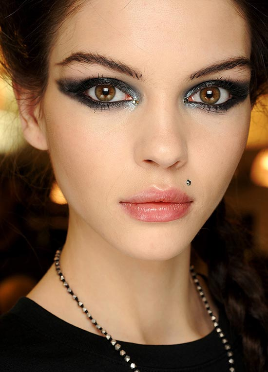Feline eyes at Jean Paul Gaultier Spring 2013 Couture