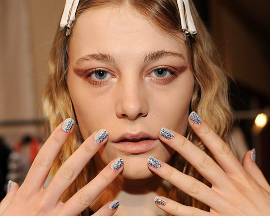 creatures-of-the-wind-fall-2013-runway-makeup-nails