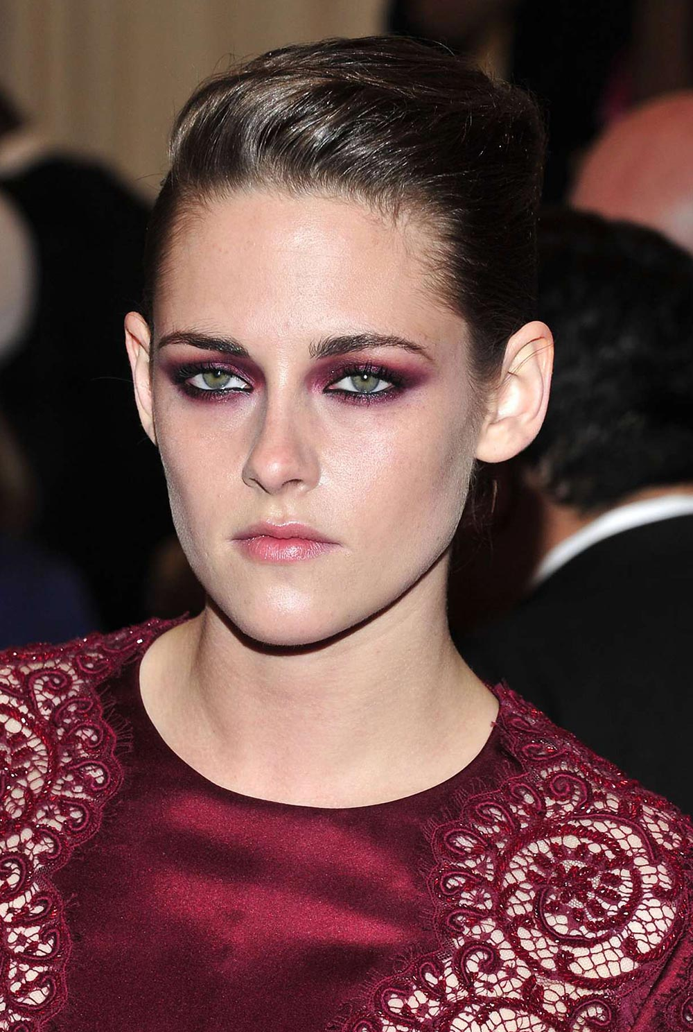 Kristen Stewart's burgundy smoky eye Makeup Look at 2013 Met Gala