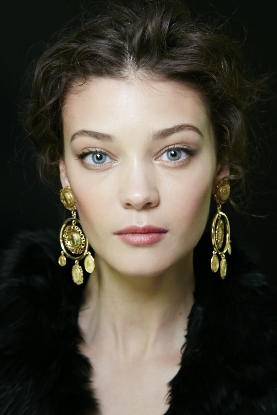 Runway Beauty: Gilded Eyes and Soft Lips at Dolce ...