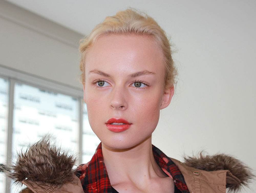 Fresh makeup with orange lips at Sophie Theallet Spring/Summer 2014