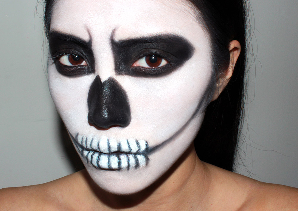 Halloween skeleton makeup look