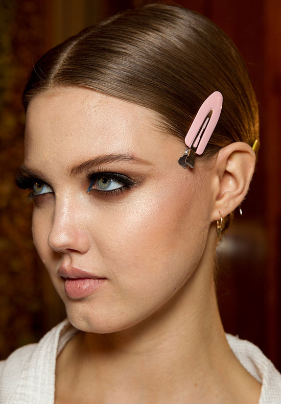Atelier Versace Spring 2014 Couture backstage beauty