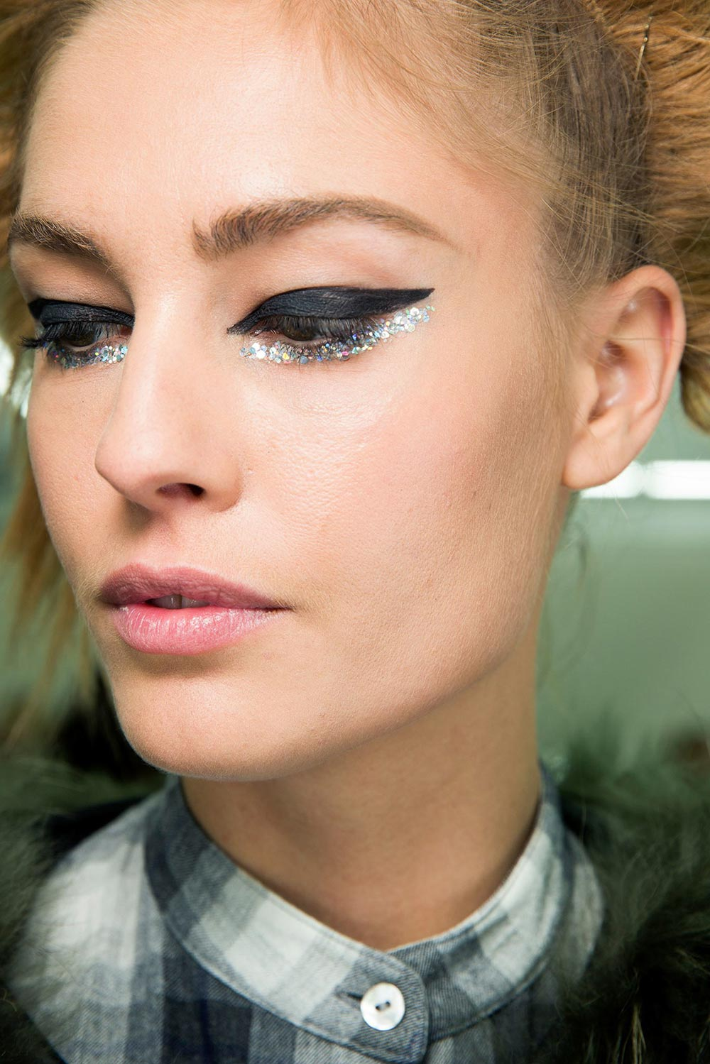 Chanel Spring 2014 Couture Backstage Makeup