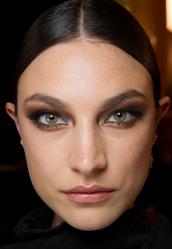 Smoky eyes nude lips at Atelier Versace Spring 2014 Couture