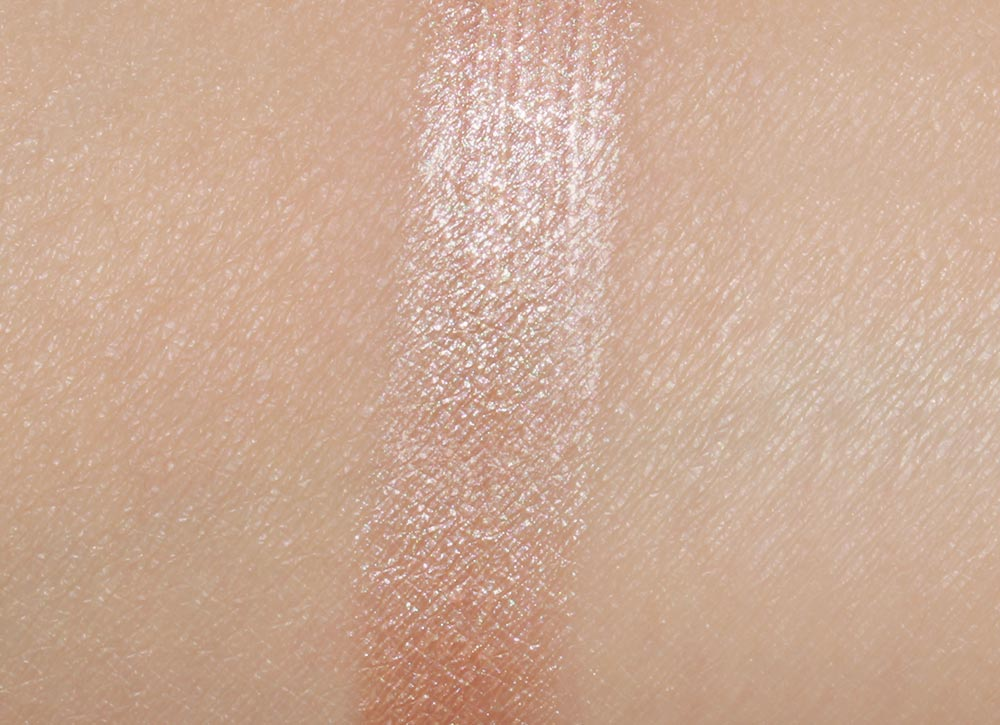 NARS Hot Sand Illuminator swatches