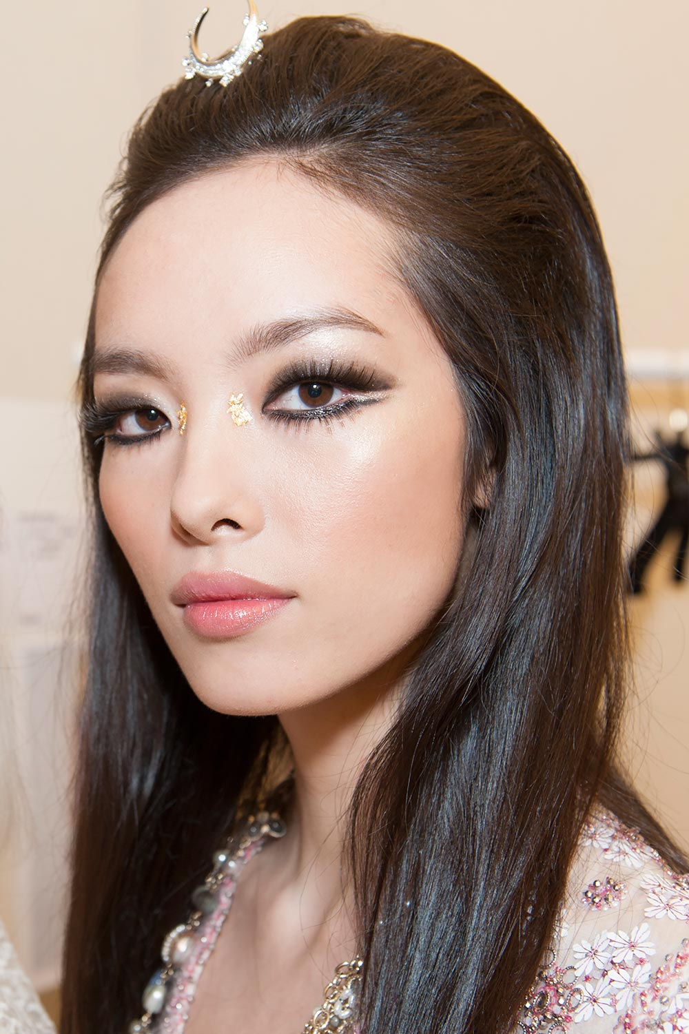 Runway Beauty: Chanel Cruise 2015 Hair & Makeup Look