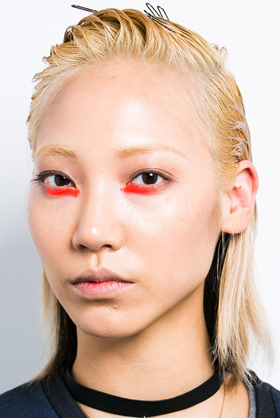 Bright orange eye makeup at Peter Som Spring/Summer 2015