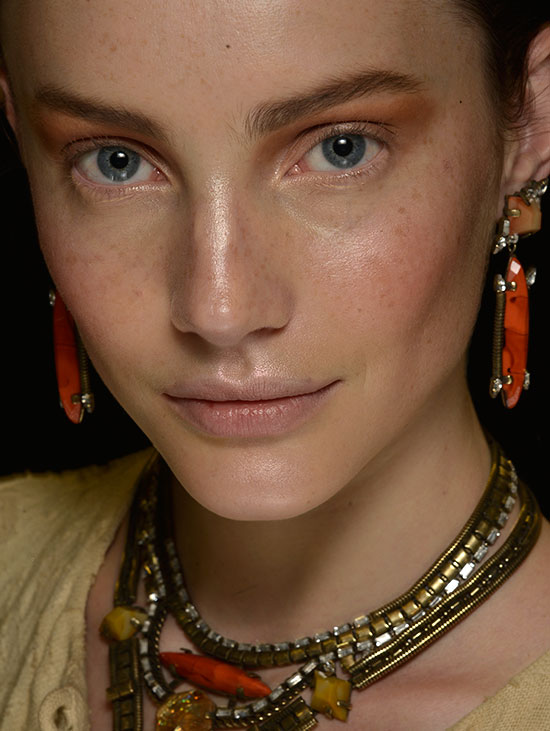 Bronze eyeshadow at Dannijo Spring/Summer 2015