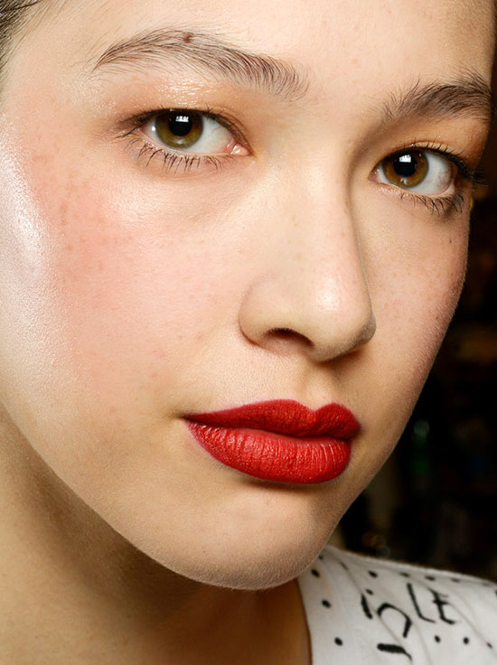 Glow skiny and red lips at Zac Posen Spring/Summer 2015