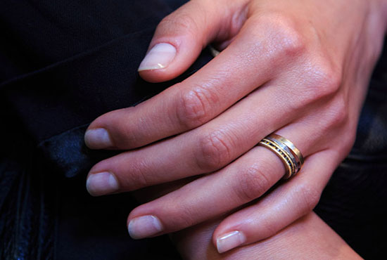 Nude manicure by JINSoon at Vera Wang Spring/Summer 2015