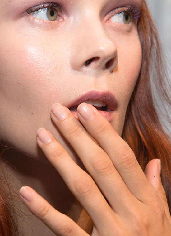 Purple eye makeup with nude nails at Derek Lam Spring/Summer 2015