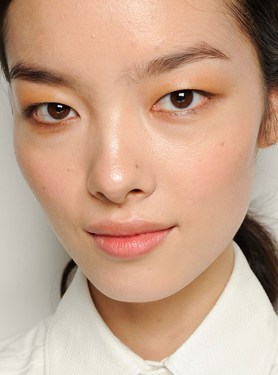 Soft smoky eye at Jason Wu Spring/Summer 2015
