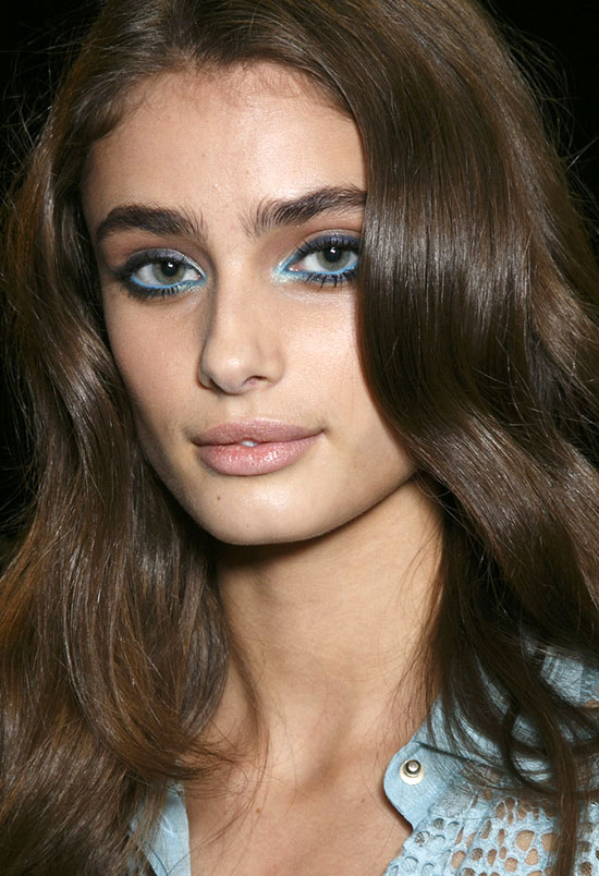 Aqua and navy eye makeup at Elie Saab Summer/Spring 2015