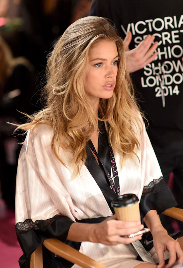 Doutzen Kroes at 2014 Victoria's Secret Fashion Show