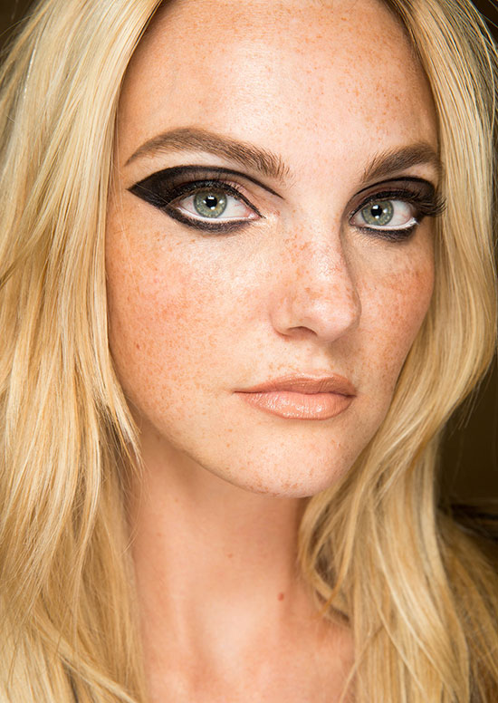 Atelier Versace Spring 2015 Couture runway beauty