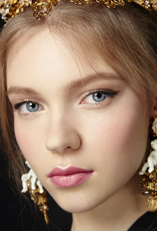 dolce-2016-runway-beauty