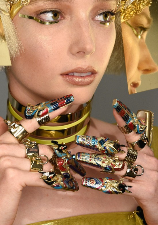 the-blonds-ss-2016-egyptian-makeup-nails