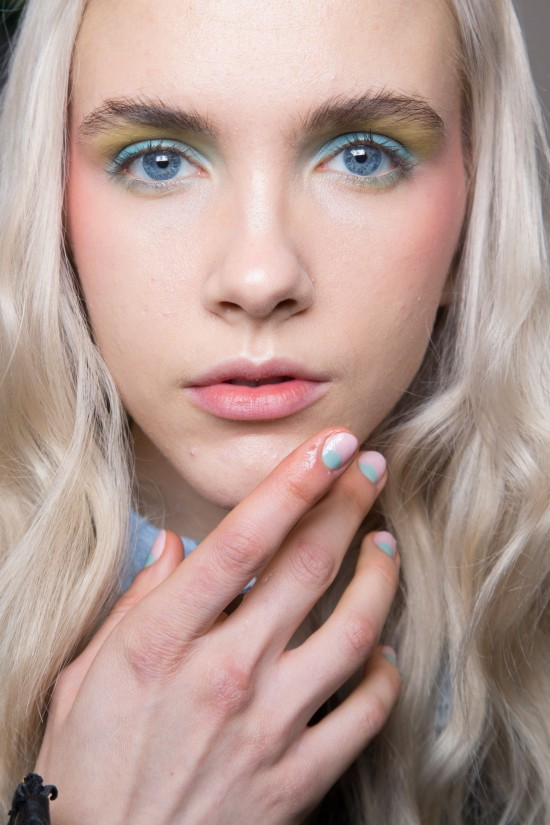 colorful-eye-makeup-nails-alexis-mabille-spring-2016