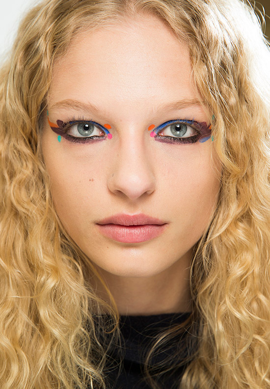 bright-eye-makeup-fendi-aw-2016