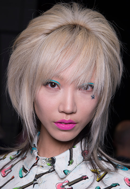 jeremy-scott-aw-2016-runway-hair-makeup