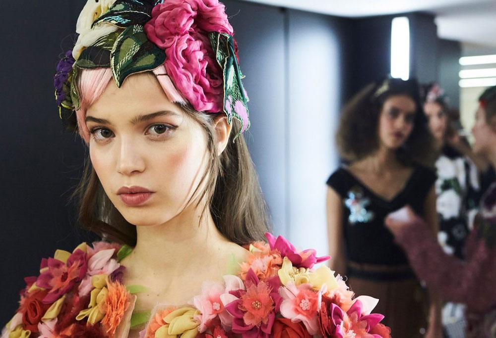 dolce-gabbana-aw-2016-runway-beauty