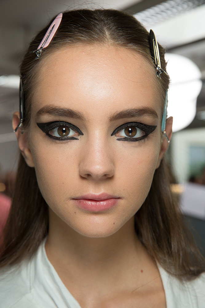 dior-fall-2016-couture-cat-eye