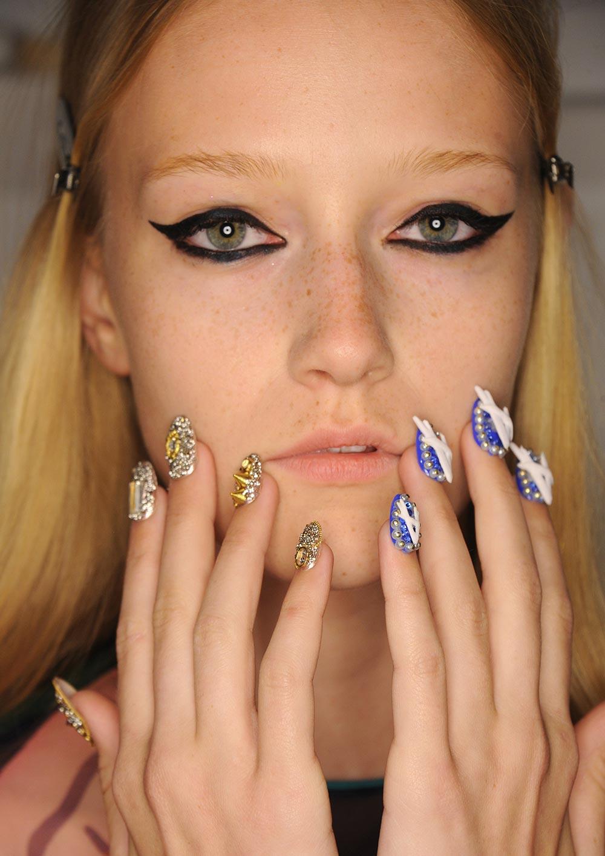 3d-nail-art-libertine-spring-2017