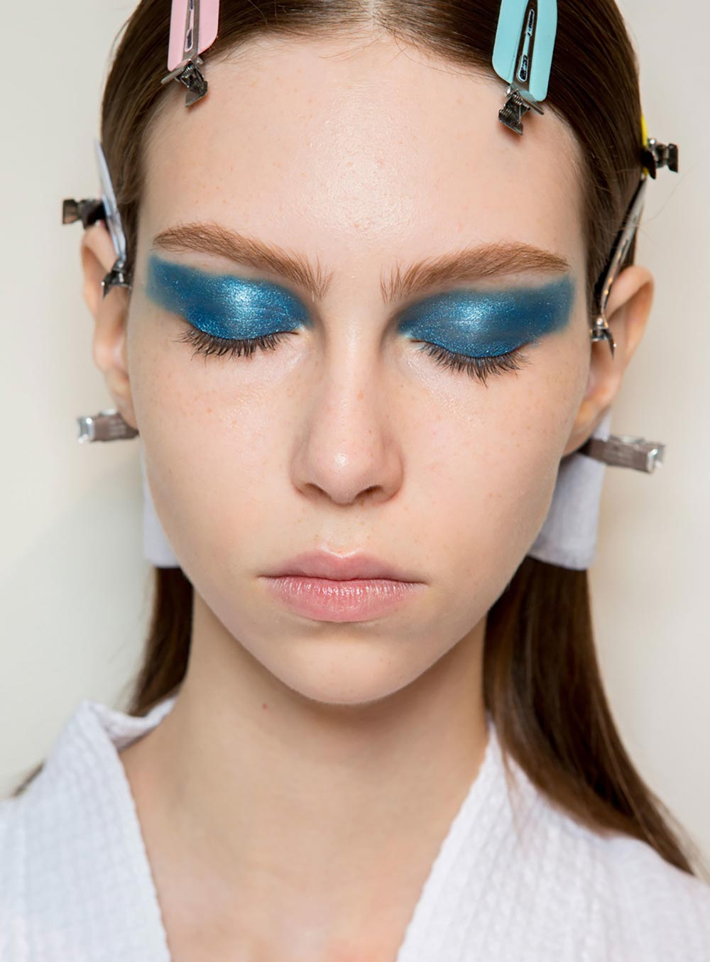 Graphic blue eyes at Victoria Beckham Spring 2017