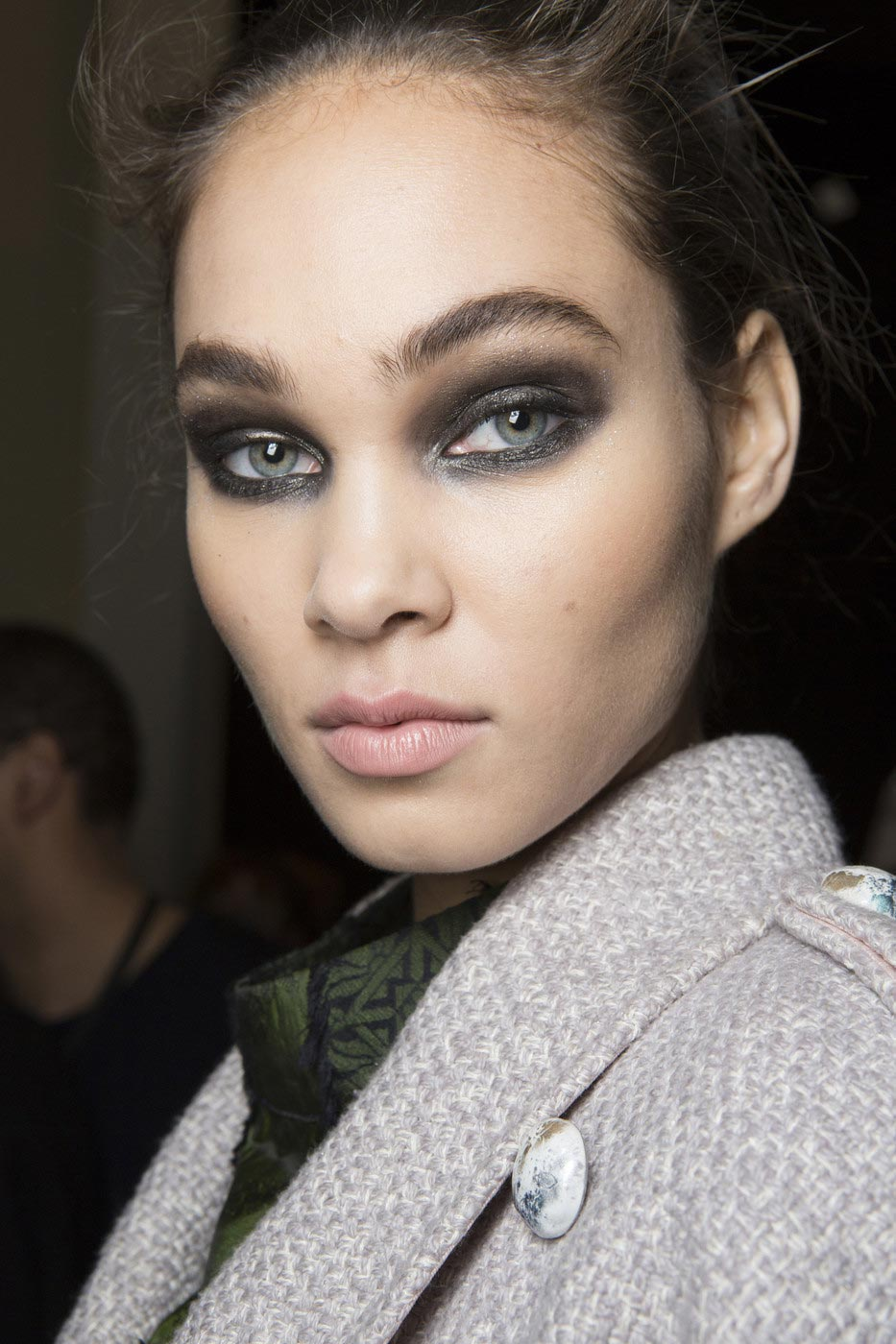 Runway Beauty: Glitter Eye at Elie Saab A/W 2017 – Makeup ...